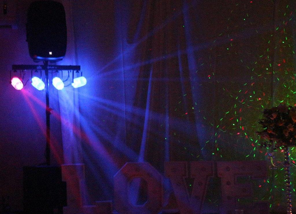 DJ Crispy Cape Town Light in smoke effect
