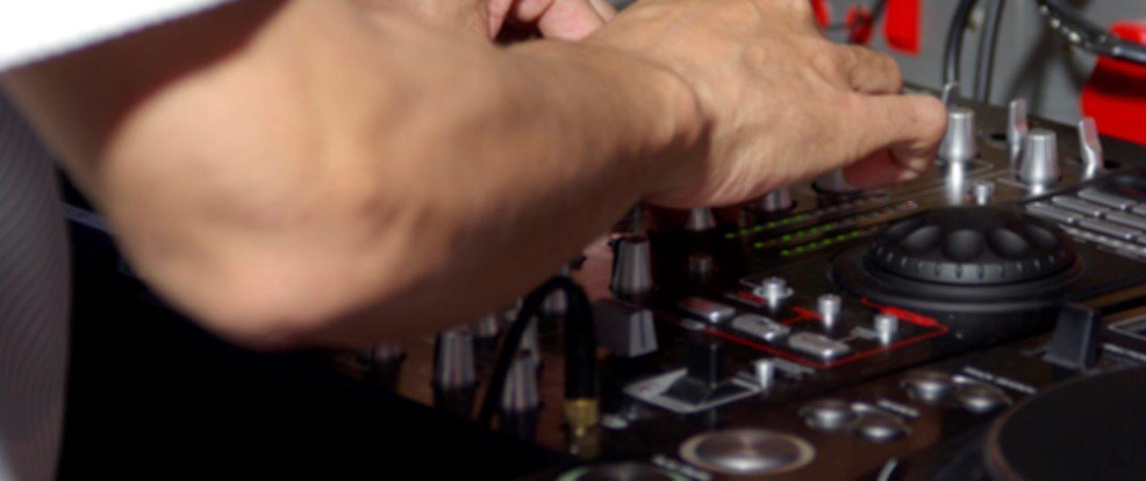 DJ Crispy Cape Town Mixing